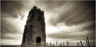 Гластънбъри - фалшивият гроб на крал Артур