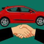 За колко минимални купуват кола по света