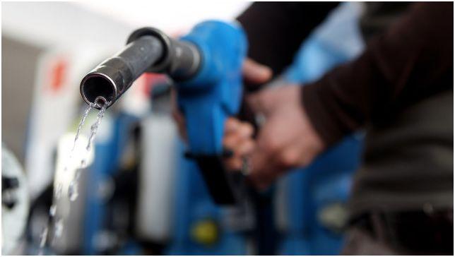 Защо мобифоните ги забраняват при зареждане на гориво