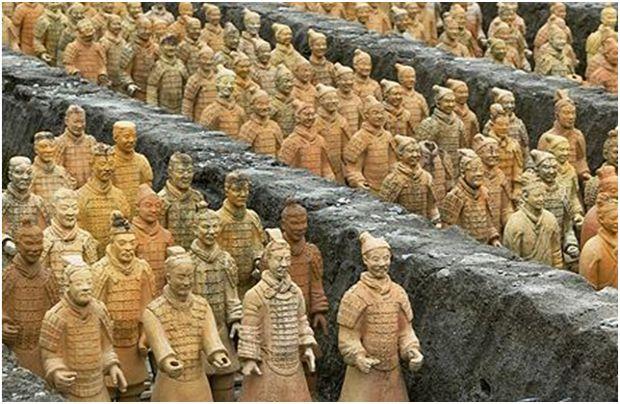 Първият император и неговата глинена армия