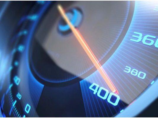Защо скоростта се ограничава електронно?
