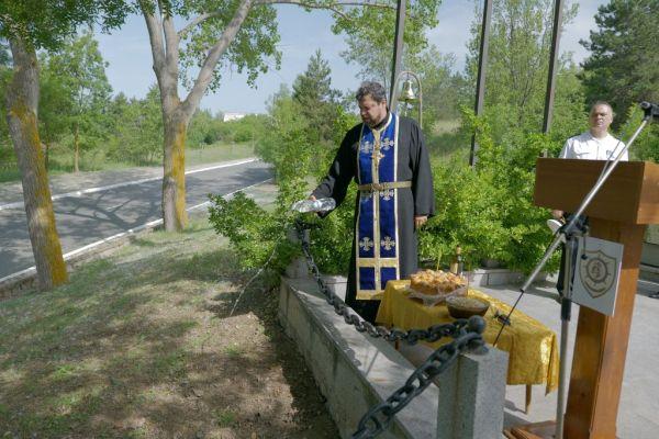 Отец Стилиян отслужи заупокойна молитва