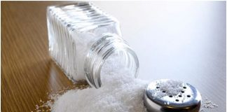 Солта и захарта са свързани с много поверия