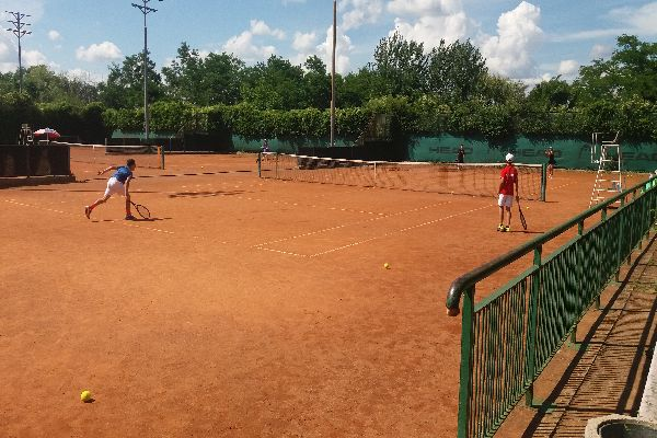Тенис лагер в Бургас
