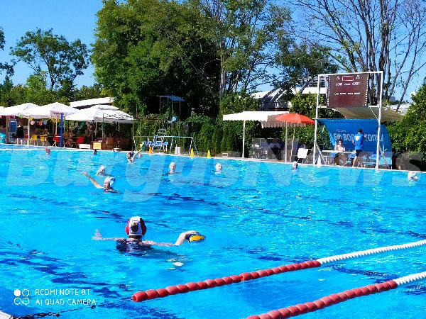 К-19 на турнира по водна топка в Бургас