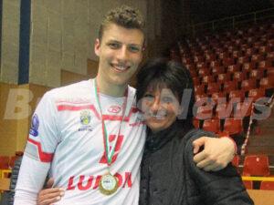 Денис с майка си Елеонора