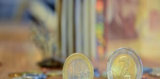 ЕЦБ определи курса евро-лев за чакалнята