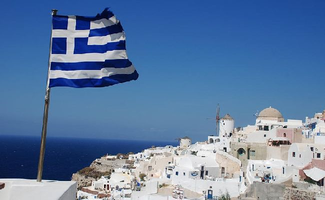 Със самолет в Гърция - с отрицателен тест