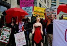 Германските проститутки протестират