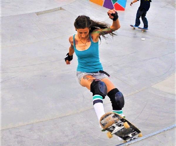 Бургаски скейтърки