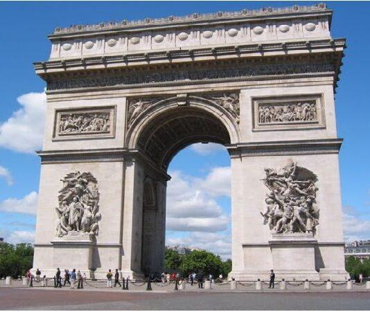 Триумфална като Париж и Наполион