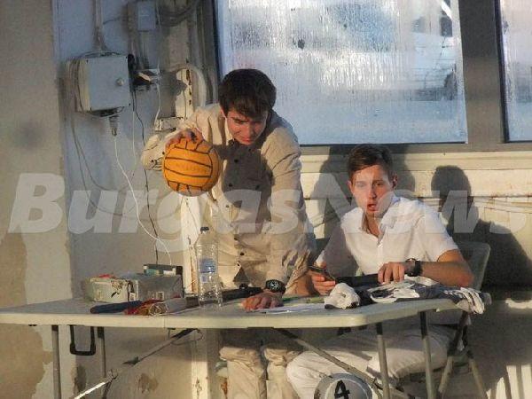 Мартин Гаров /с топката/