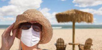 На Халкидики маската е задължителна и на плажа
