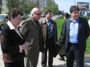 зам.-кметът Марков и проф. Петков при откриване на асансьора