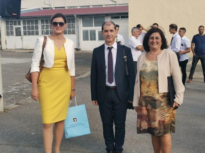 Зам.-министър Карина Ангелиева/с жълтата рокля/