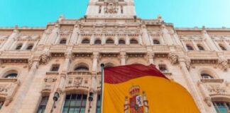 В Испания вдигат данъците на богатите