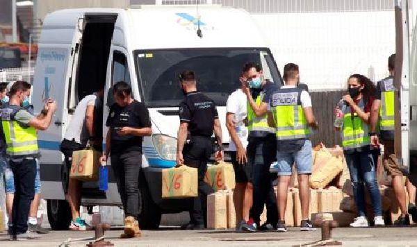 При акцията са арестувани българи и руснаци