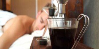 За препоръчване е да не се посяга към чашата горещо кафе