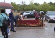 Посрещнаха Караянчева със стари килими