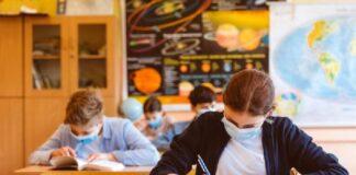 Учителите, които не искат да се върнат в класните стаи, излизат в отпуск