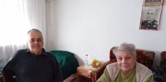 Семейство от Черноморец с благодарност към своите спасители Стоян и Васил