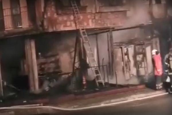 При пожара в Приморско са пострадали и магазини