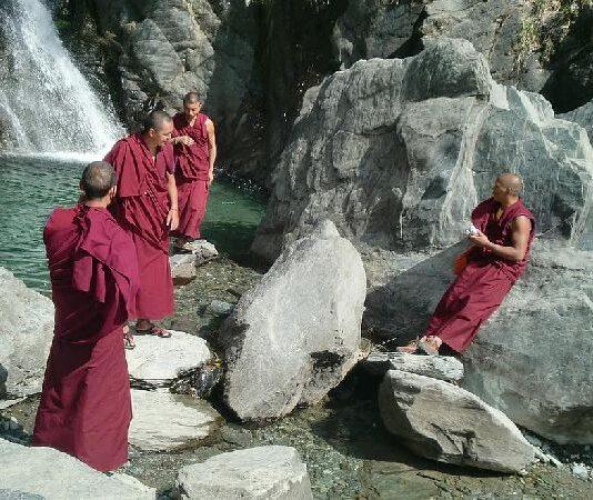 тибетски монаси