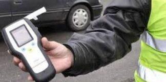 Пияна поморийка нацели паркирана кола