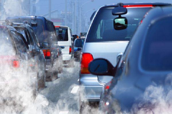 Забрана на замърсяващи коли в градовете от юни догодина