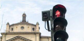 Светофари в Милано почват да глобяват